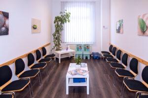 Wartezimmer Fachpraxis für Kieferorthopädie Dr. med. dent. Jörg Tschierschke